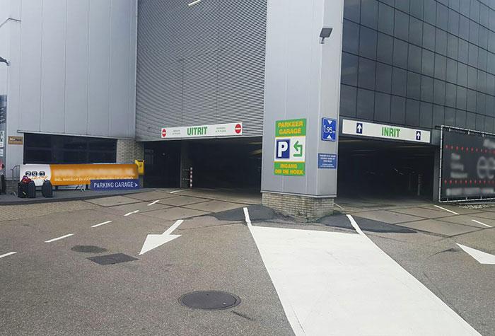 247 Schiphol Parkhalle