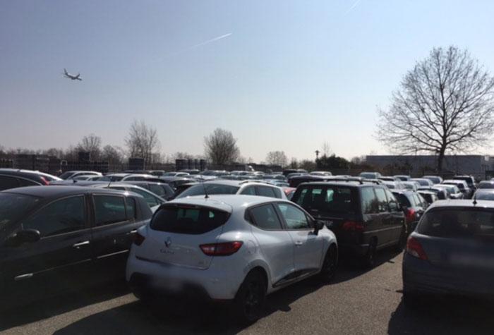 Blue Park Basel Parkplatz Frankreich