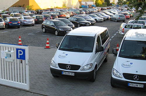Travel Parking Parkplatz Valet Parken