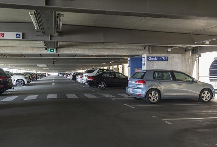 Holiday Parken Parkhaus Flughafen Leipzig/Halle