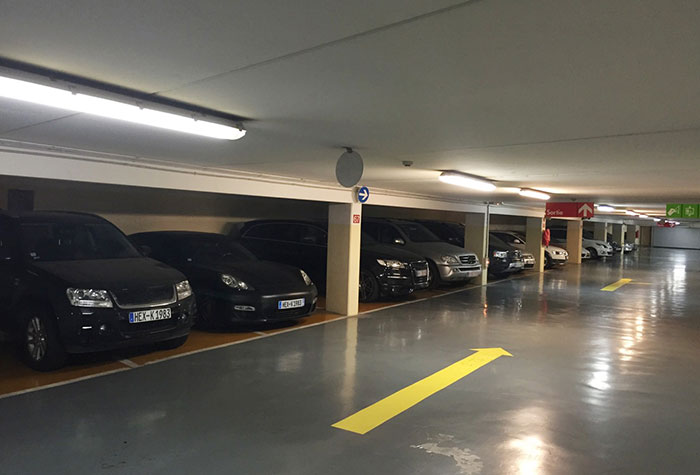 Easy Parking Überdachter Parkplatz Nizza Valet