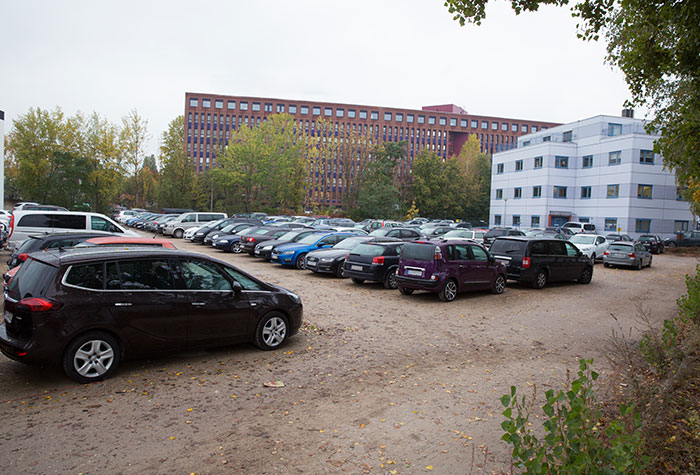 Airparks Parkplatz Berlin Tegel Wittestrasse